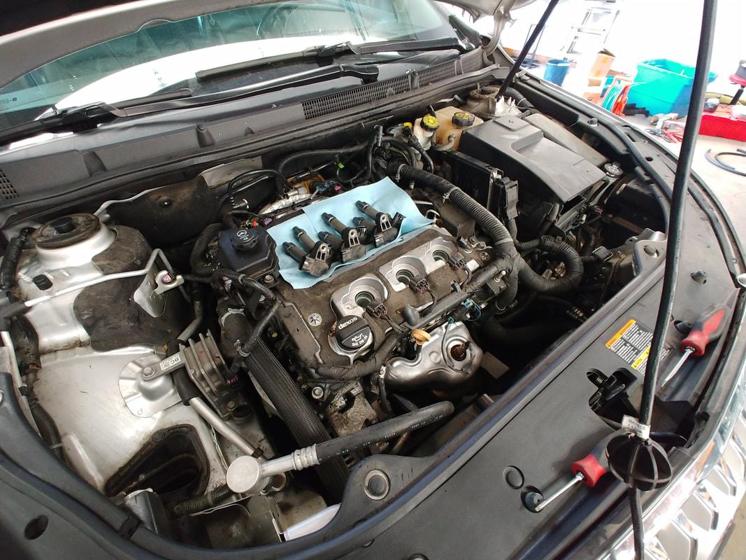 Car Parts / Lifted Hood