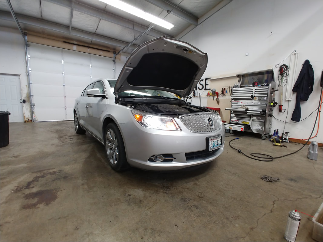 Silver Car / Battery On / Lifted Hood